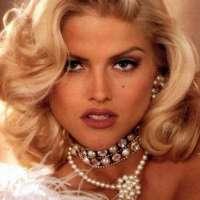 Anna Nicole Smith sigue generando escándalos aún muerta