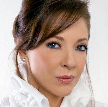 Edith González protagonizará telenovela de TV Azteca La Favorita