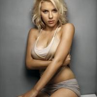 Roban fotos de Scarlet Johansson desnuda