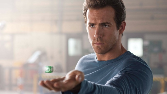 http://musicacinetv.files.wordpress.com/2011/06/green-lantern-ryan-reynolds.jpg