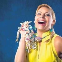 Programa Sabrina En Fin De Semana cumple 22 años, productora dice aun no tener competencia