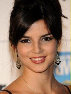 """Clara Lago estará en cines con """"Eltern"""" y actualmente filma """"¿Quién mató a Bambi?""""."""