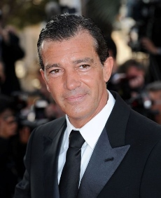 Antonio banderas estará en cines con Justin and the ''Knights of Valour'', ''Machete Kills'' y ''Knight of Cups''. Ahora filma ''Autómata'' y se anunció su participación en el film ''The 33''.