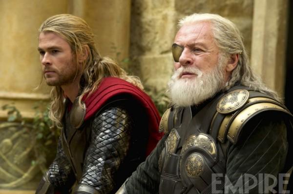 "Chris Hemsworth y Anthony Hopkins en ""Thor: The Dark World""."