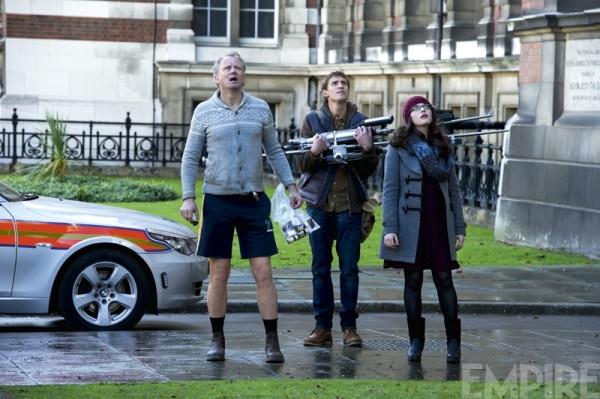 "Stellan Skarsgard y Kat Dennings en ""Thor: The Dark World""."