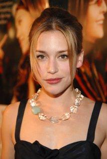"""Piper Perabo protagoniza la serie de TV """"Covert Affairs"""" y estará en cines con """"Red Machine""""."""