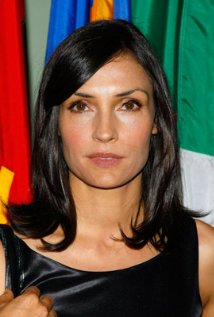 "Famke Janssen estará en cines con ""The Being Experience"". Ahora filma ""A Fighting Man""."