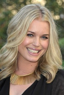 "Rebecca Romijn actúa en la serie de TV ""King & Maxwell"" y estará en cines con ""Larry Gaye: Renegade Male Flight Attendant""."