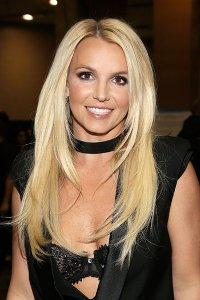 """Britney Spears está activa con las canciones """"Work Bitch"""", la cual se ha escuchado en """"Ellen: The Ellen DeGeneres Show"""", """"Chelsea Lately"""" y """"Dancing with the Stars"""" entre otros shows de TV."""