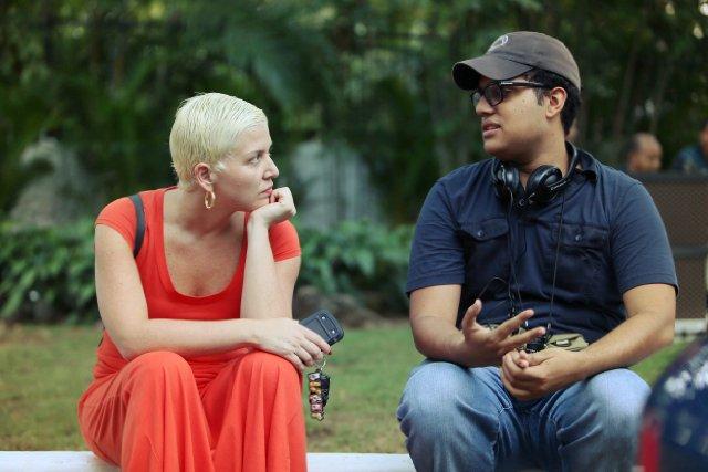 """Laura García Godoy y Héctor Manuel Valdez durante el rodaje de """"Al sur de la inocencia""""."""