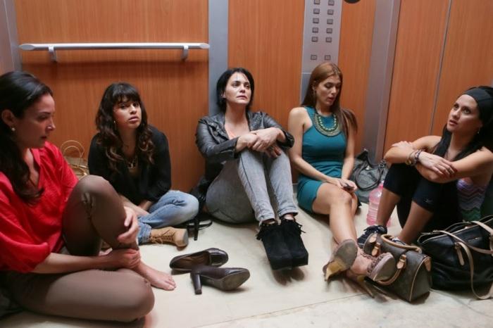 """Denise Quiñones, Melimel, Sabrina gómez, Dulcita Lieggi y Silvana Arias en """"Locas y atrapadas""""."""