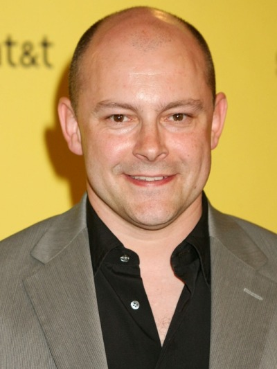 "Rob Corddry actúa en la serie de TV ""Community"" y estará en cines con ""Sex Tape"" y ""Hot Tub Time Machine 2"". Ahora filma la película de TV ""Ballers""."