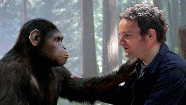 "Andy Serkis como Caesar y Jason Clarke como Malcolm en ""Dawn of the Planet of the Apes""."