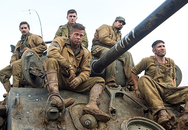 """Shia LaBeouf, Logan lerman, Brad Pitt, Michael Peña y Jon Bernthal en """"Fury""""."""