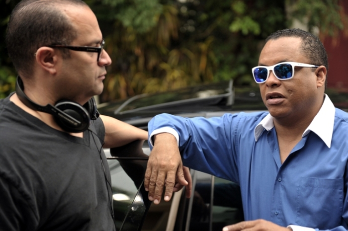 """Raymond Hernández, Jr. y Félix Tejeda en """"El Pelotudo""""."""