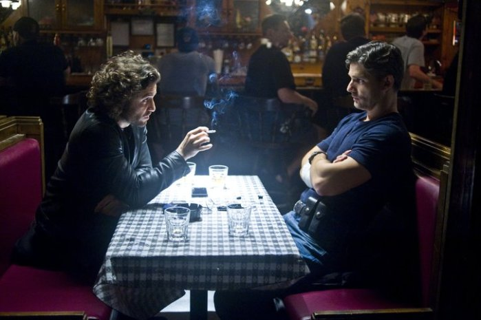 "Edgar Ramírez y Eric Bana en ""Deliver Us from Evil""."
