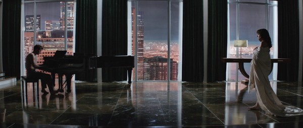 "Escena de ""Fifty Shades of Grey""."
