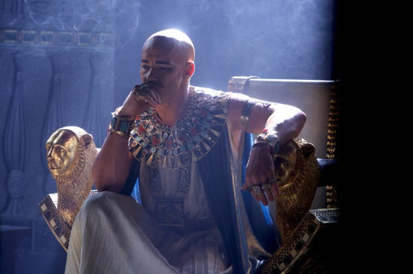 "Joel Edgerton caracteriza al faraón Rhamses en ""Exodus: Gods and Kings""."