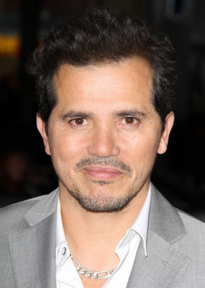 "John Leguizamo actúa en las películas por estrenar ""The Man on Carrion Road"", ""Cymbeline"", ""A Conspiracy on Jekyll Island"", ""Stealing Cars "" (voz) y ""American Ultra"". Ahora filma ""Experimenter"" y ""The Nest""."