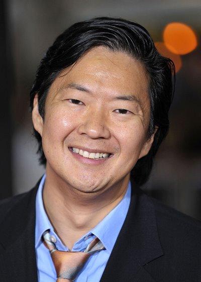"""Ken Jeong puso su voz en el film animado """"The Penguins of Madagascar"""" y actúa en los filmes por estrenar """"Ktown Cowboys"""" y """"The DUFF""""."""