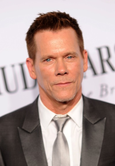 "Kevin Bacon protagoniza la serie de TV ""The Following"" y estará en el film ""Skum Rocks!"". Ahora filma las películas ""6 Miranda Drive"", ""Black Mass"" y ""Cop Car""."