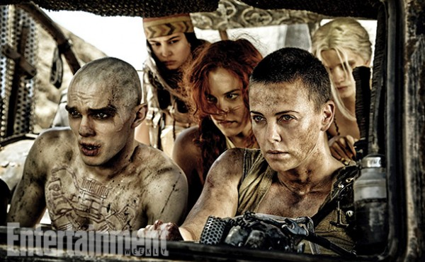 "Nicholas Hoult y Charlize Theron en ""Mad Max: Fury Road""."