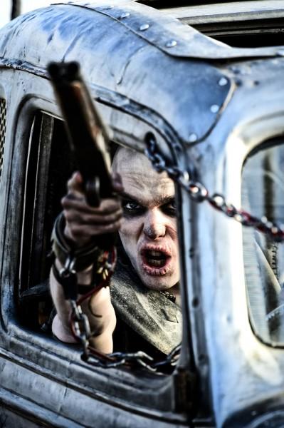 """Nicholas Hoult es Nux en """"Mad Max: Fury Road""""."""