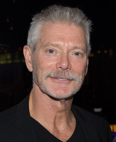 "Stephen Lang actúa en la serie de TV ""Salem"" y estará en cines con ""Jarhead 2: Field of Fire"", ""23 Blast"", ""Gutshot Straight "", ""Sun Belt Express"" y ""Backmask""."