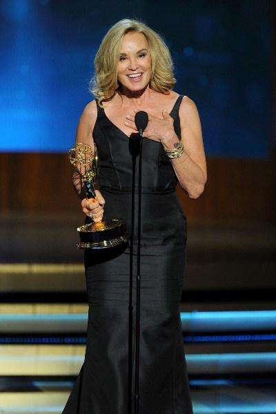 "Jessica Lange al ganar su Emmy por ""American Horror Story: Coven""."