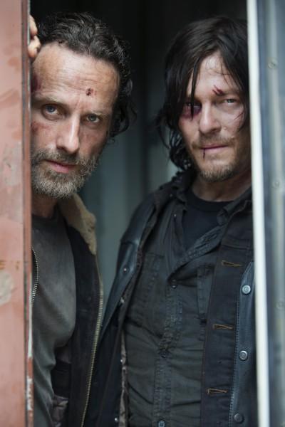 """Andrew Lincoln y Norman Reedus en la 5ta. temporada de """"The Walking Dead""""."""