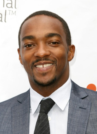 "Anthony Mackie actúa en los filmes por estrenar ""Playing It Cool"" y ""Triple Nine""."