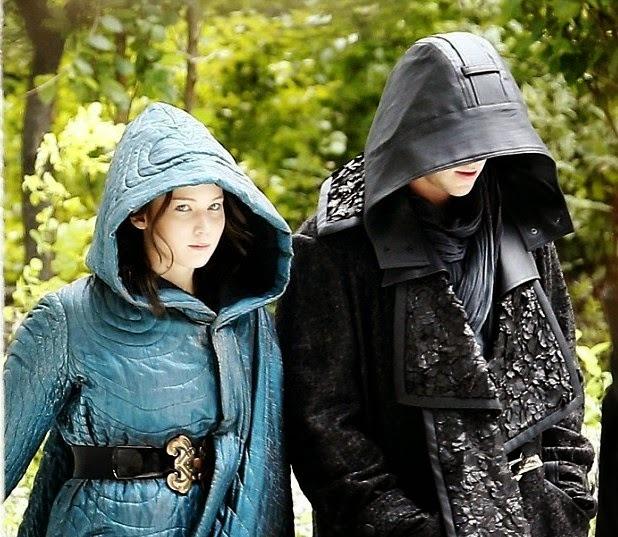 """Jennifer Lawrence y Liam Hemsworth en """"The Hunger Games: Mockingjay - Part 1""""."""