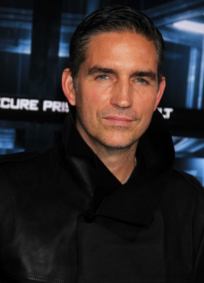 "Jim Caviezel protagoniza la serie de TV ""Person of Interest""."