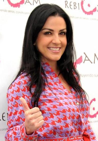 """Lidia Avila protagoniza las telenovelas """"Palabra de mujer """" y """"Cuando me enamoro""""."""