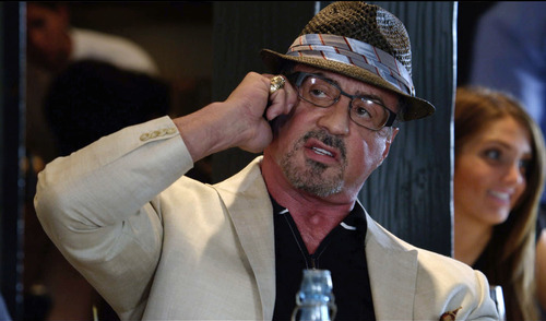 """Sylvester Stallone es Geral en """"Reach me""""."""