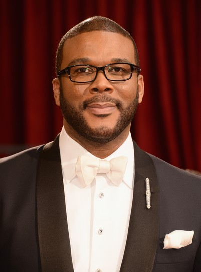 "Tyler Perry actúa en el film por estrenar ""Gone Girl"" y dirige la serie por debutar ""If Loving You Is Wrong""."