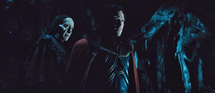 """Charles Dance y Luke Evans en """"Dracula Untold""""."""