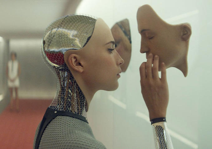 "Alicia Vikander como Ava en ""Ex Machina""."