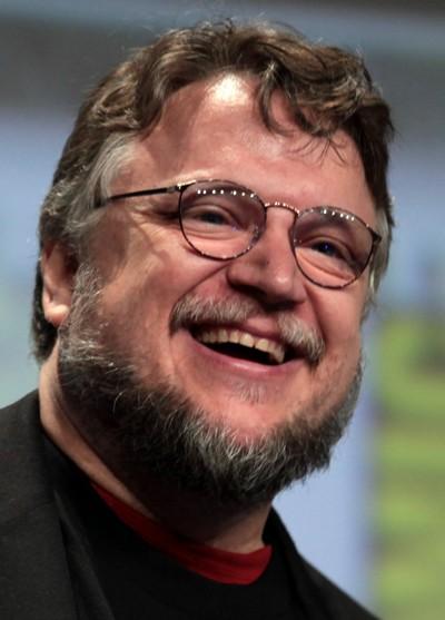 """Guillermo del Toro produce y escribe la serie de TV """"The Strain"""". Actualmente, produce, escribe y dirige el film """"Crimson Peak""""."""
