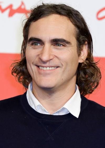 """Joaquin Phoenix  protagoniza el film """"Inherent Vice""""."""