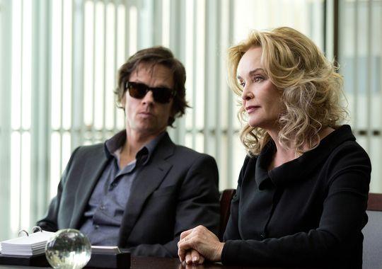 """Mark Wahlberg y Jessica lange en """"The Gambler""""."""