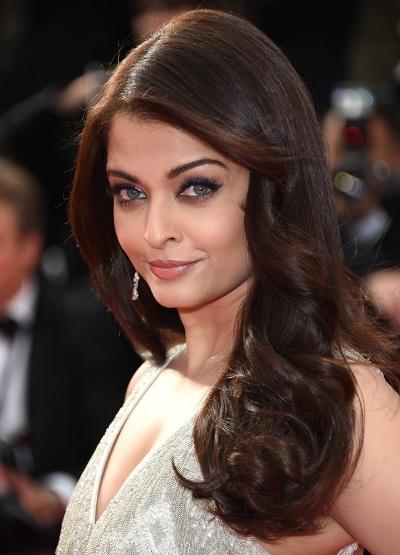"""Aishwarya Rai protagoniza las películas """"Action Replayy"""" y """"Guzaarish""""."""