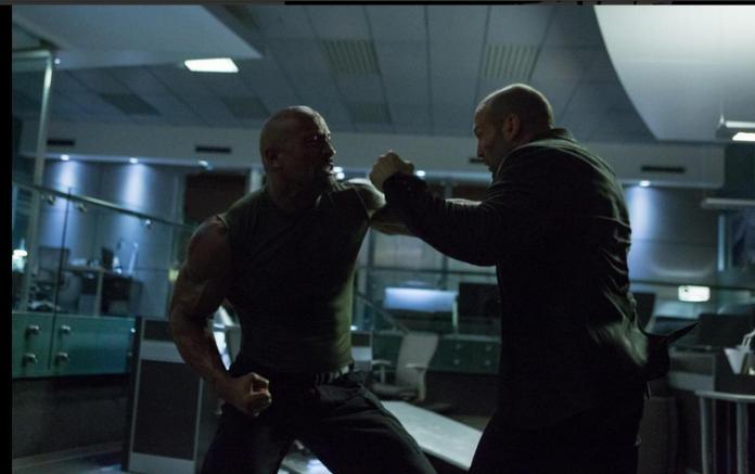 "Dwayne Johnson y Jason Statham en ""Furious 7""."