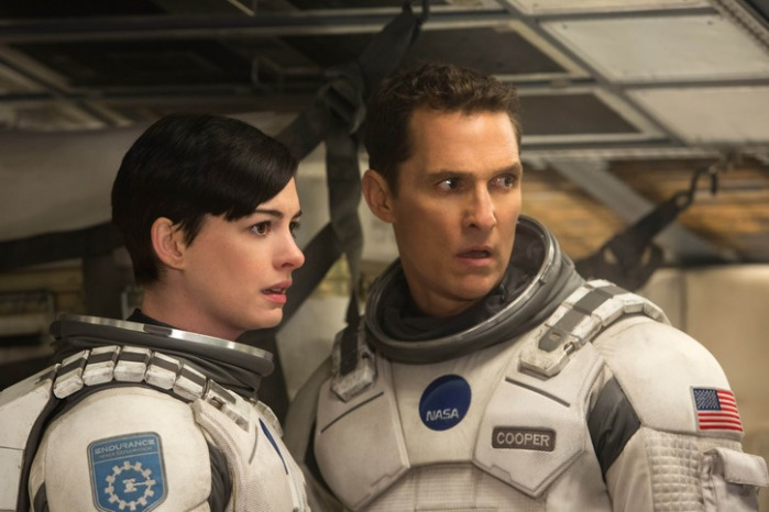"Anne Hathaway y Matthew McConaughey en ""Interstellar""."