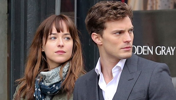 "Dakota Johnson y Jamie Dornan en ""Fifty Shades of Grey""."