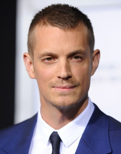 "Joel Kinnaman protagoniza la serie de TV ""The Killing"" y actúa en las películas por estrenar ""Knight of Cups"", ""Run All Night"" y ""Child 44""."
