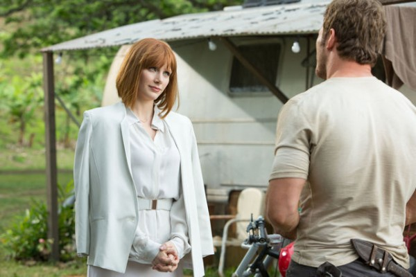 "Bryce Dallas Howard y Chris Pratt en ""Jurrasic World""."