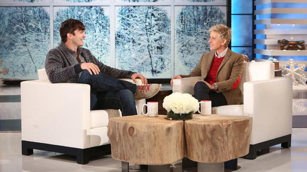 Ashton Kutcher cuando era entrevistado por Ellen DeGeneres.