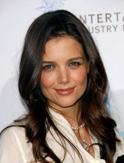 """Katie Holmes protagoniza las películas por estrenar """"Mania Days"""" y """"Woman in Gold""""."""
