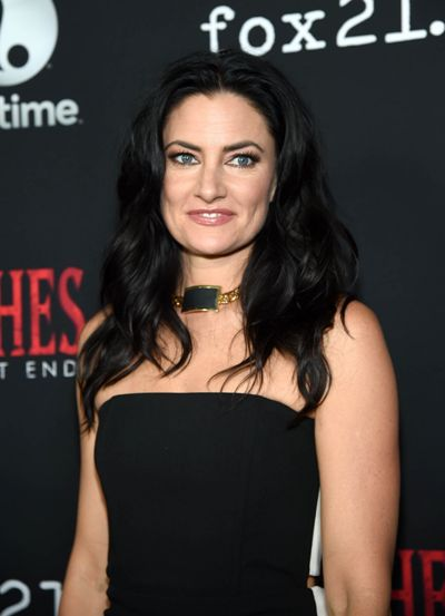 "Mädchen Amick protagoniza la serie de TV ""Witches of East End""."